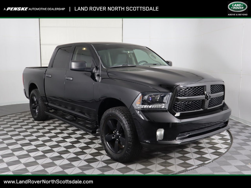 Pre-Owned 2015 Ram 1500 2WD Crew Cab 140.5