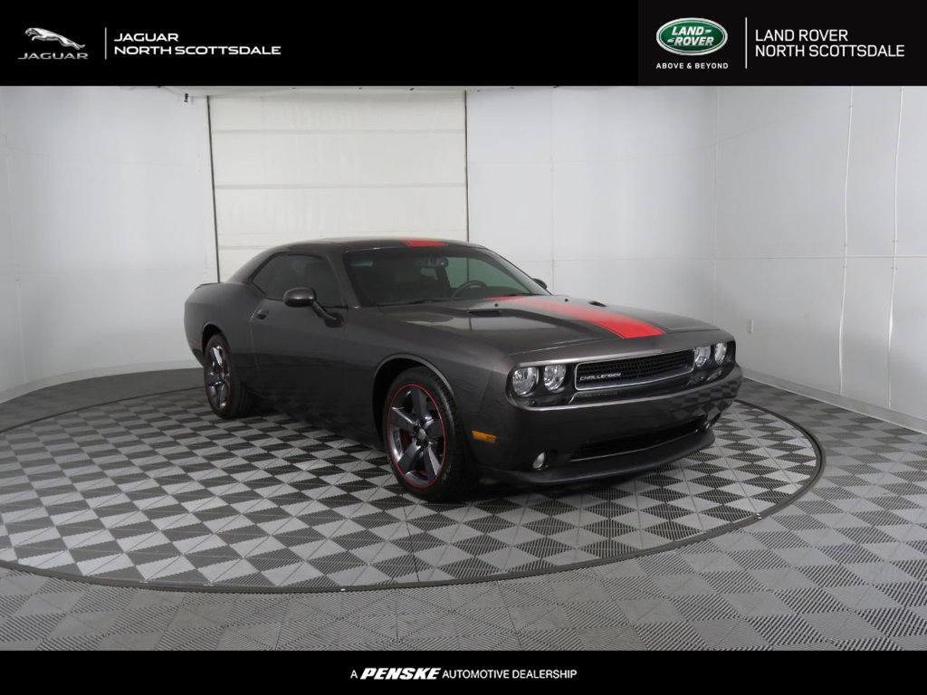 Pre-Owned 2014 Dodge Challenger 2dr Coupe SXT