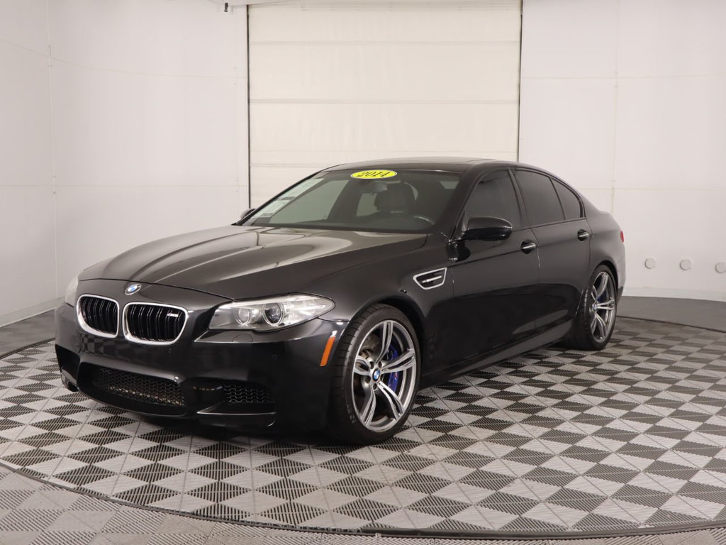 Pre-Owned 2014 BMW M5 4dr Sedan